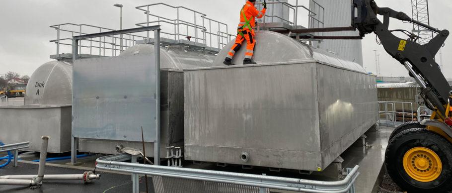 Leverans av cisterner till Bromma flygplats