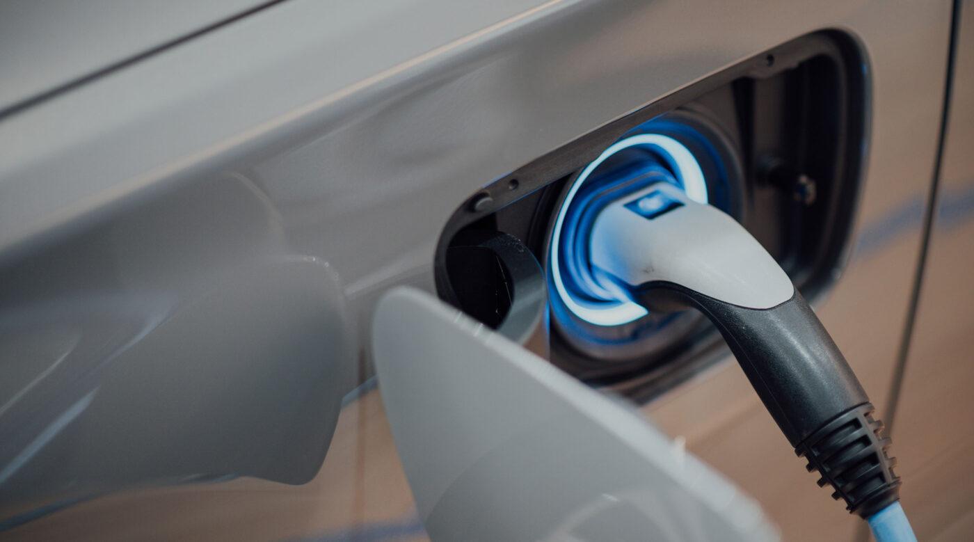 Laddstation el- och hybridfordon